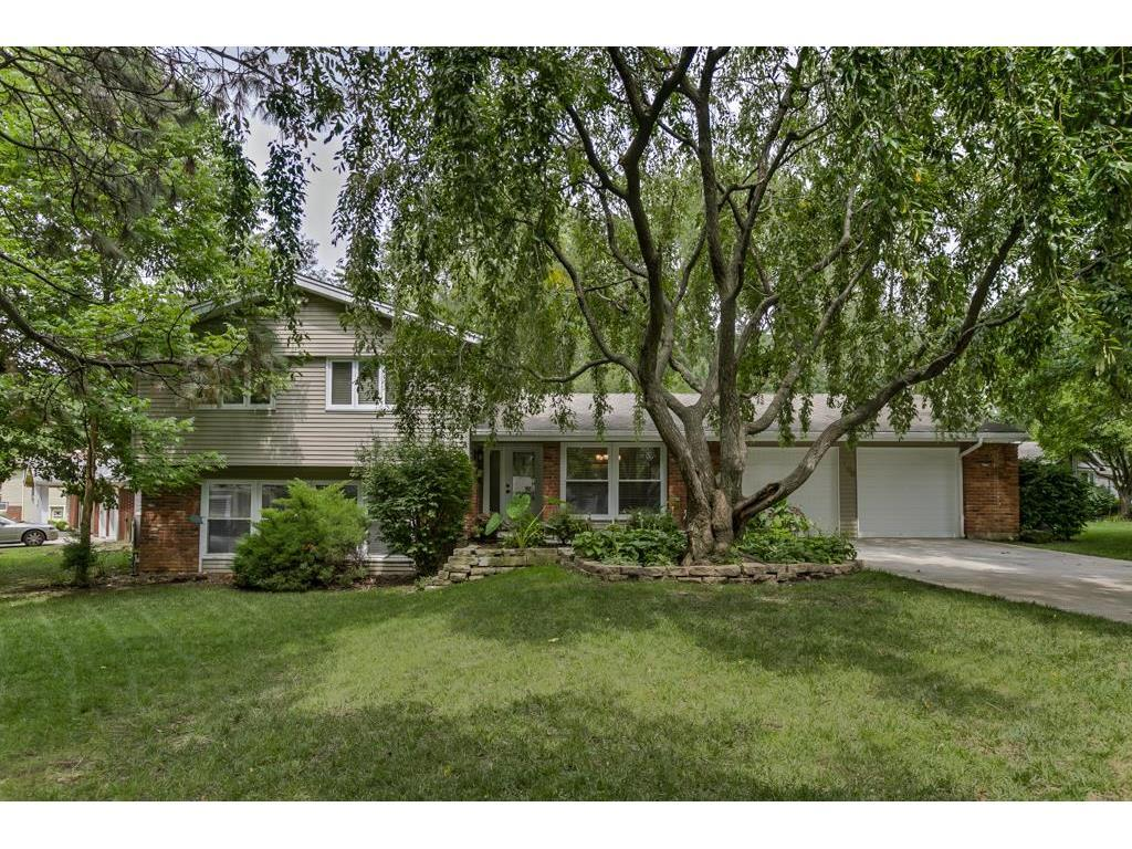 6100 W 88th Ter Overland Park Ks Mls 2062311 Better Homes And Gardens Real Estate