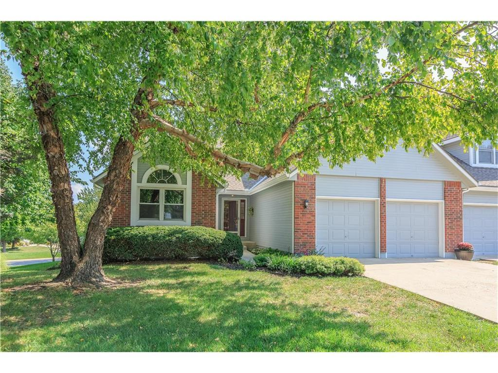7009 W 156th Ter Overland Park Ks Mls 2070504 Better Homes And Gardens Real Estate