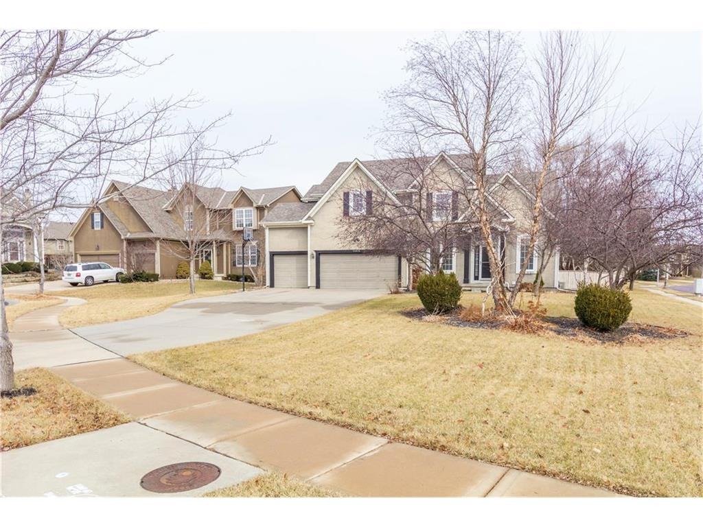 13410 W 138th Ter Overland Park Ks Mls 2085651 Better Homes And Gardens Real Estate