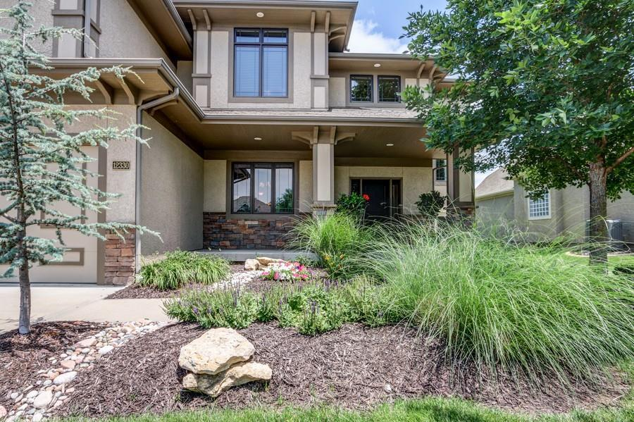Ted devore of better homes and gardens real estate kansas city homes in kansas city mo for Better homes and gardens real estate rentals