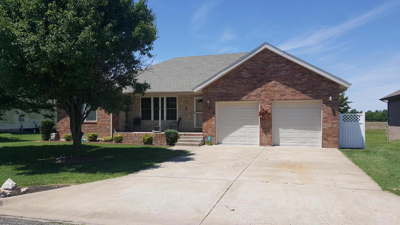 1210 woodland rdg monett mo mls 60080854 better for The family room monett mo