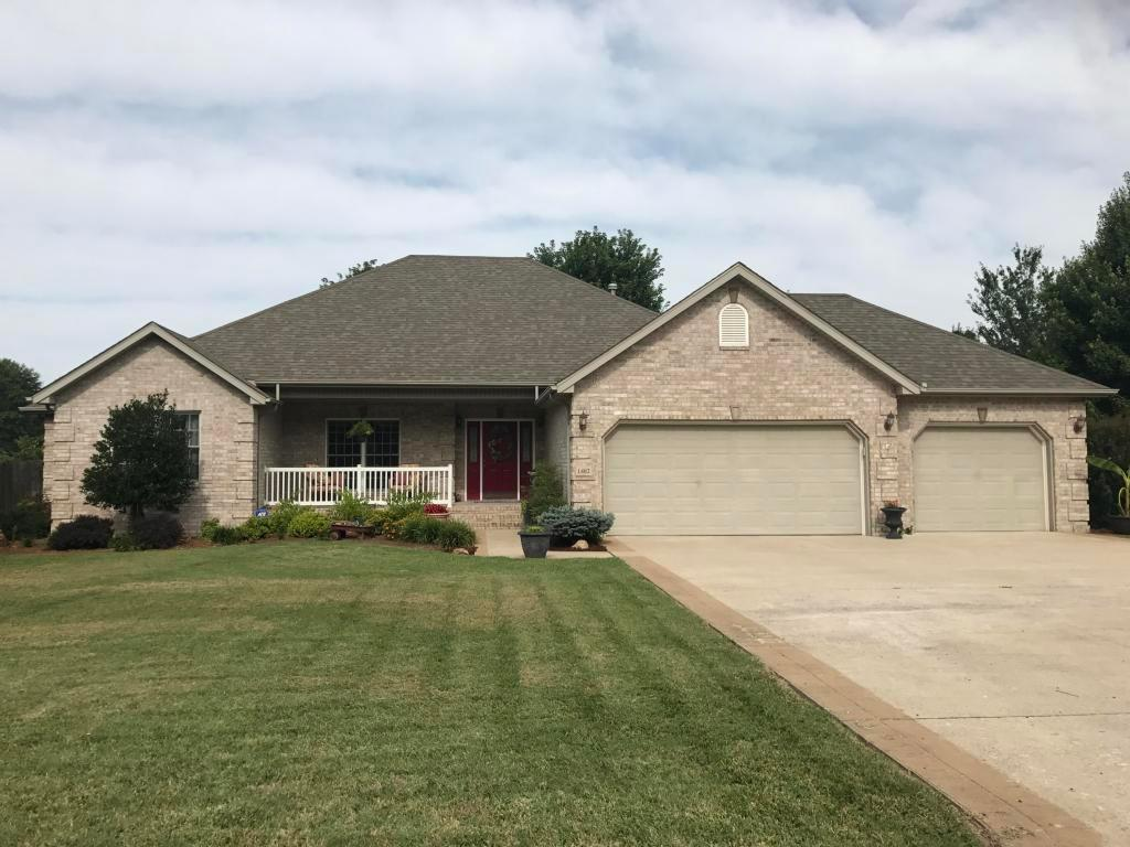1402 n 17th st monett mo mls 60085383 better homes for The family room monett mo