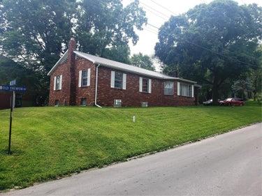 SFR located at 1305 Old Trenton Road