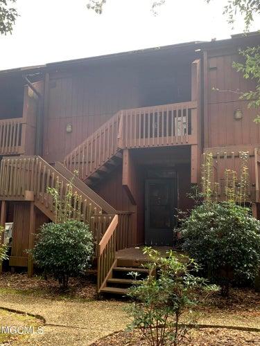 CND located at 219 Lakeside Villa #B