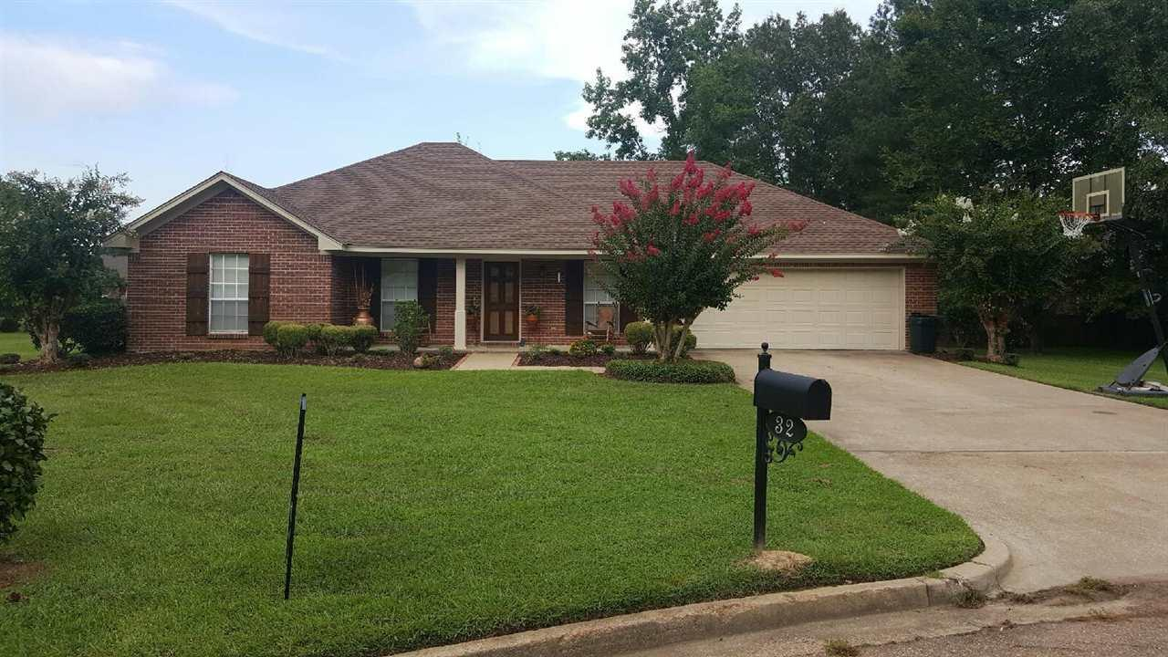 32 jennifer ct madison ms mls 289573 era for Home builders madison ms