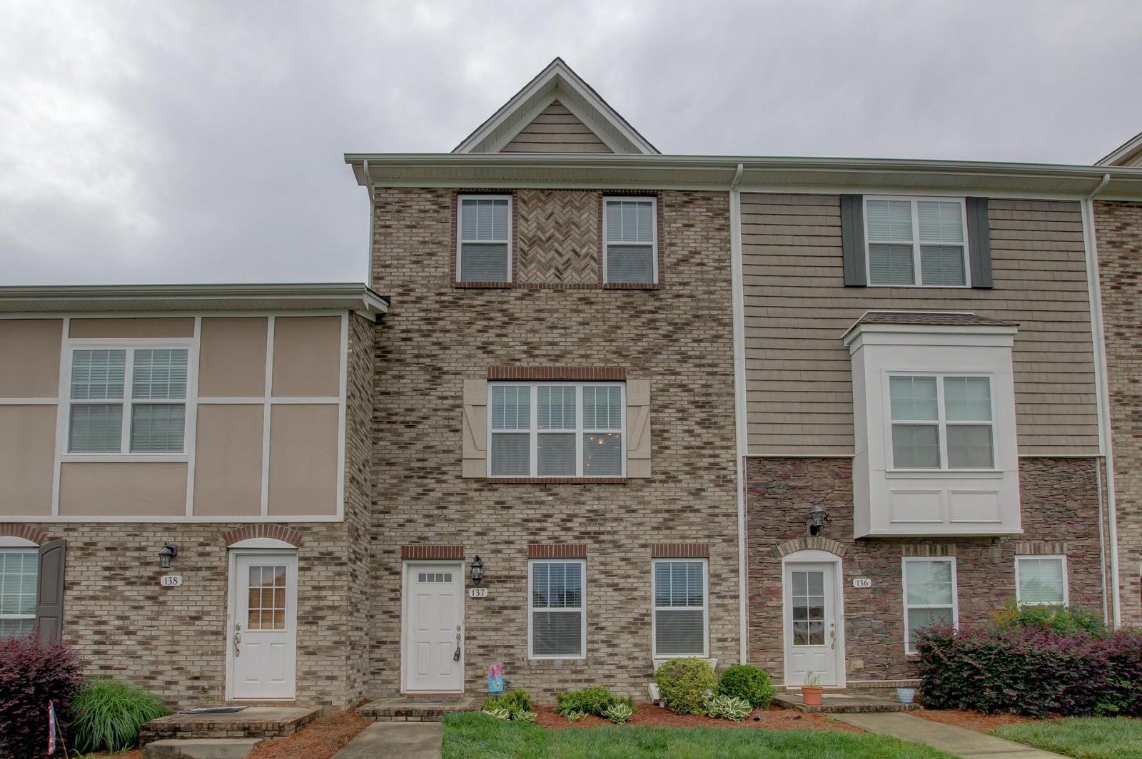 137 turn row dr clarksville tn mls 1834807 century for Home builders clarksville tn