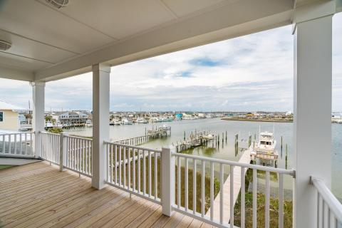 Pleasing Homes For Sale In Atlantic Beach Nc Atlantic Beach Real Home Remodeling Inspirations Basidirectenergyitoicom