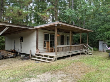 SFR located at 5000 Point Caswell Road