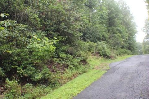 8 Hillside Lane