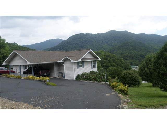 24 boone ln maggie valley nc mls 3292102 century 21 for Boone cabins for sale