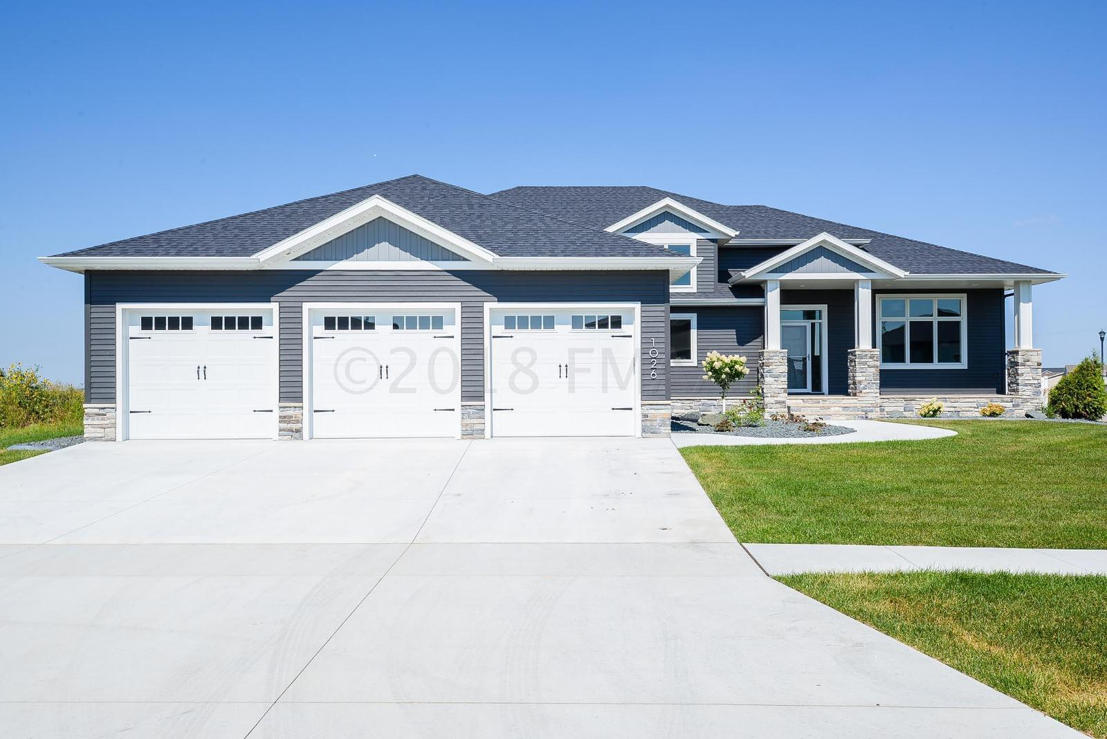 1026 HICKORY LN, WEST FARGO, ND — MLS# 18_3978 — Coldwell Banker
