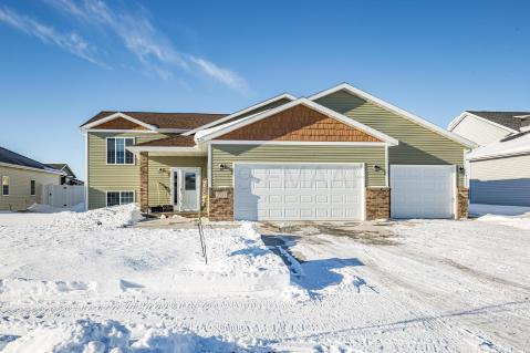 Real Estate Listings Homes For Sale In Moorhead Mn Era