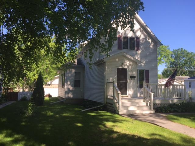 809 Walnut St Grand Forks Nd Mls 17 1135 Century 21