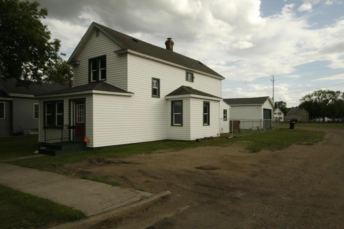 825 n 6th st grand forks nd mls 17 1331 century 21 for Home builders grand forks nd