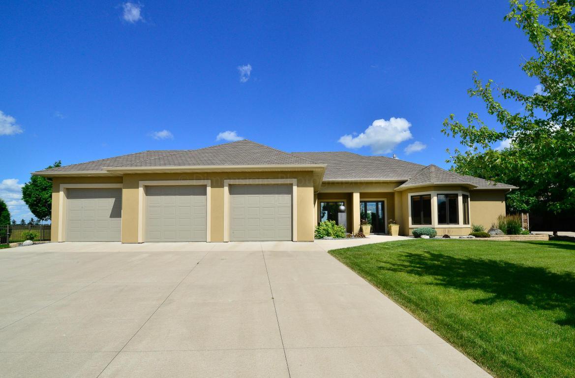 5813 pinehurst ct grand forks nd mls 17 1401 for Home builders grand forks nd
