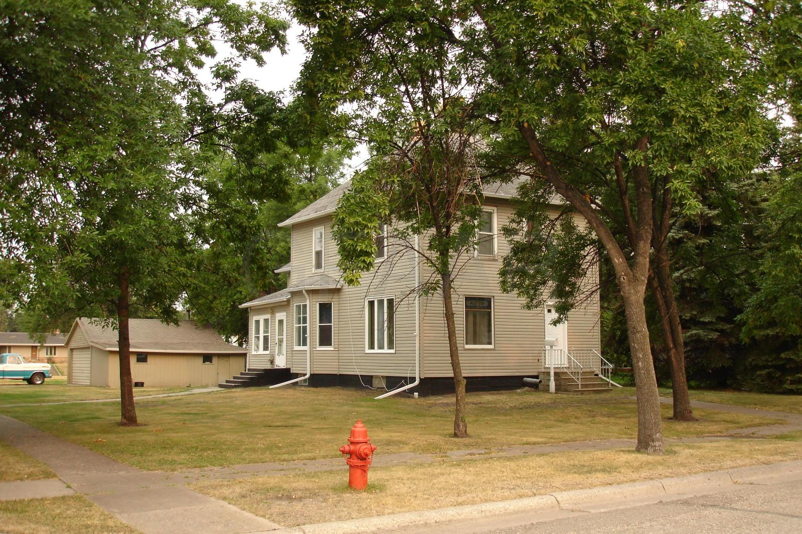 Brilliant Local Real Estate Homes For Sale Grafton Nd Coldwell Home Interior And Landscaping Ferensignezvosmurscom