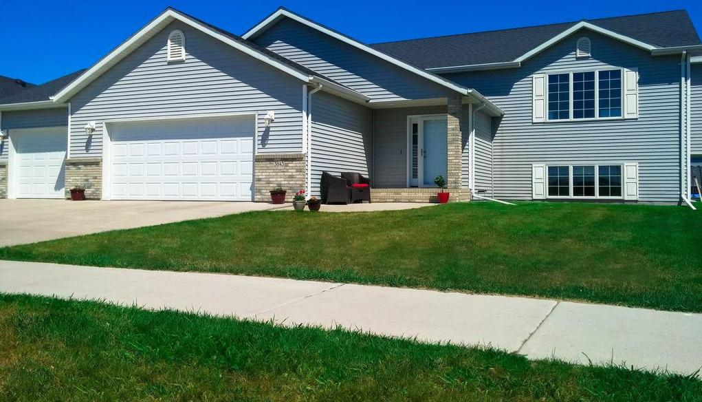 3843 S 19th St Grand Forks Nd Mls 17 682 Coldwell