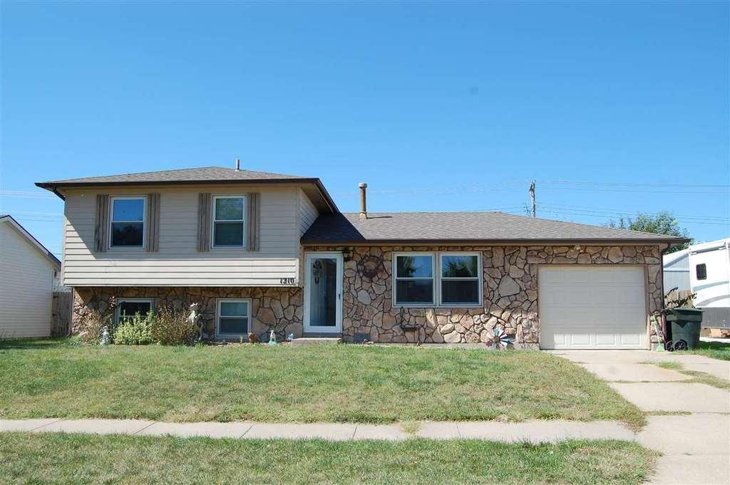 1210 14th Ave Kearney Ne Mls 20198 Coldwell Banker
