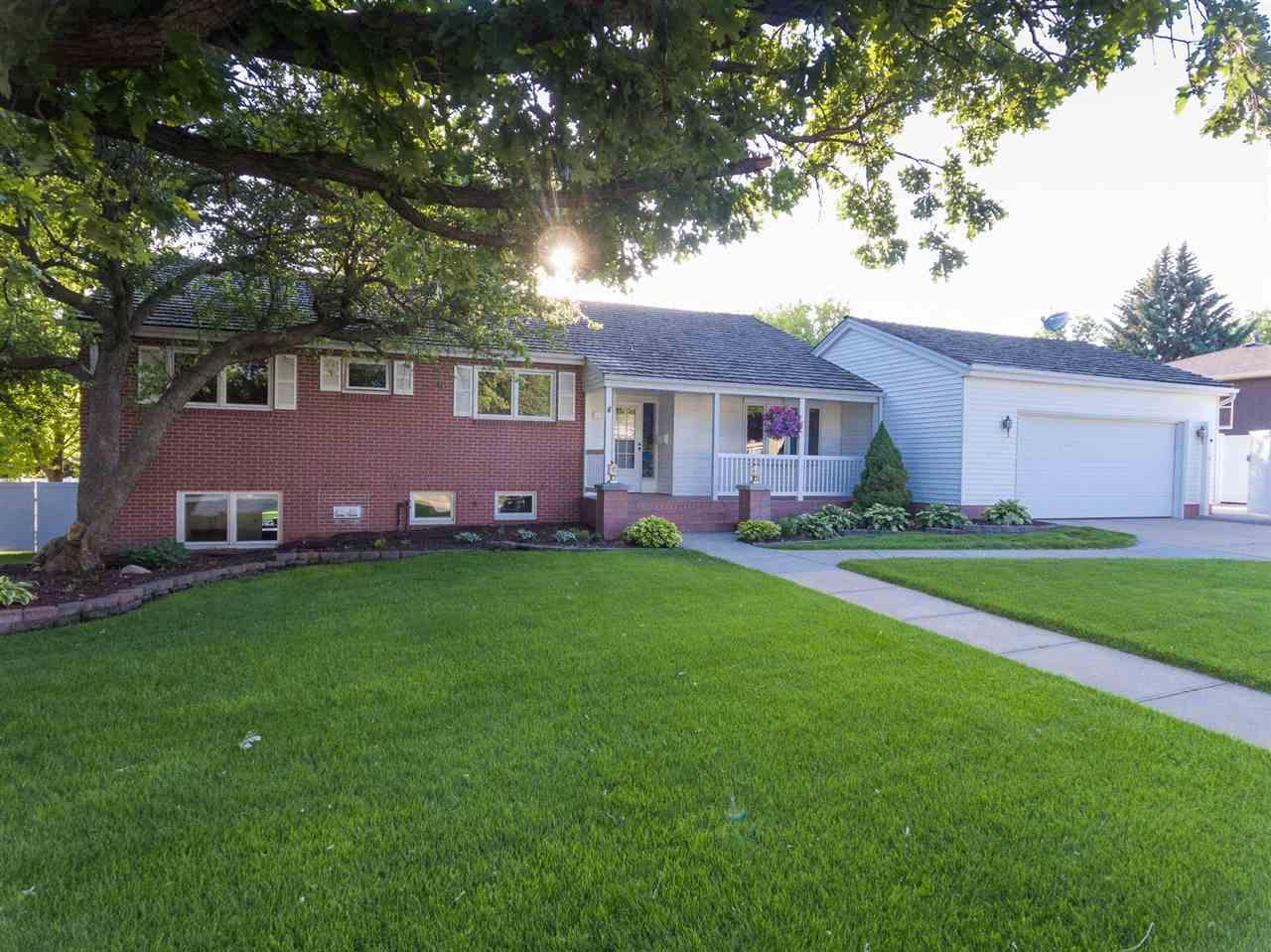 3320 5th Ave Kearney Ne Mls 20841 Coldwell Banker