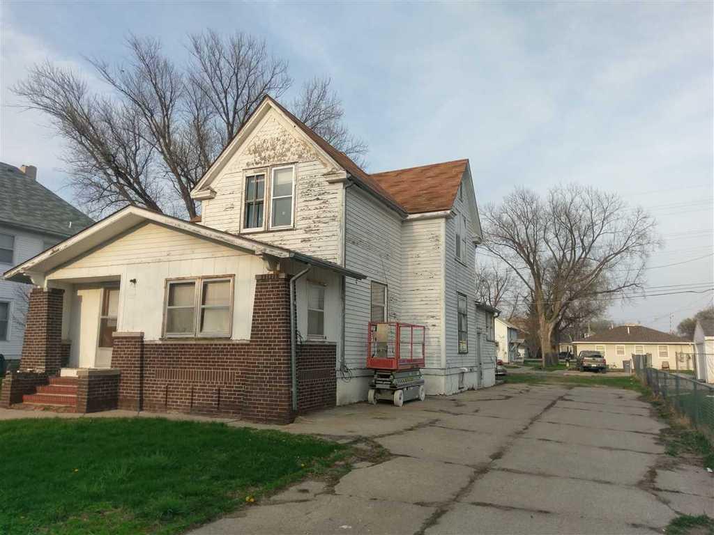 607 s 8th st norfolk ne mls 170207 era for Nebraska home builders