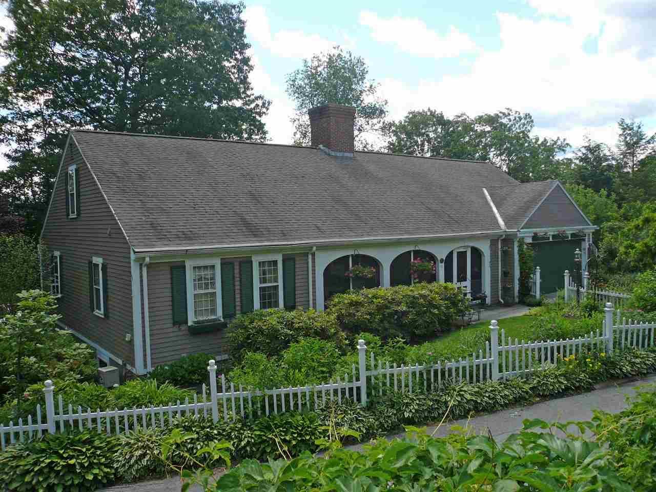 43 chestnut hl brattleboro vt mls 4643516 century for Vermont home builders