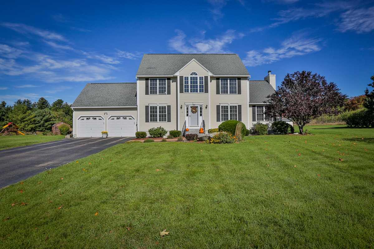 15 Cambridge Dr Auburn Nh Mls 4663366 Better Homes And Gardens Real Estate
