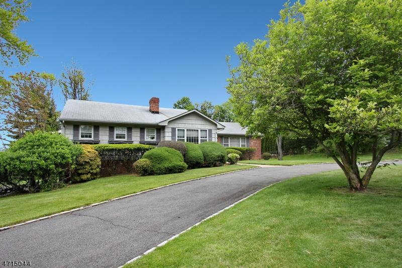 Houses For Sale Livingston Nj : 3 MORNINGSIDE DR, LIVINGSTON, NJ — MLS# 3388919 — CENTURY ...