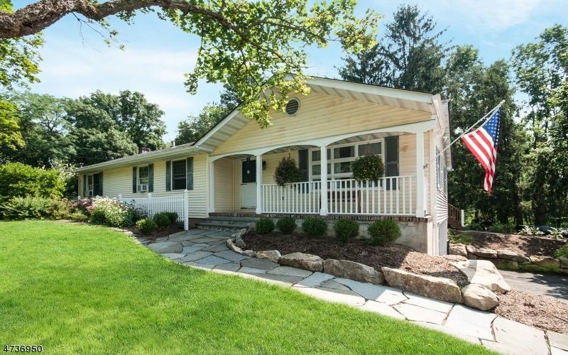 208 rick rd milford nj mls 3410553 better homes and gardens real estate. Black Bedroom Furniture Sets. Home Design Ideas