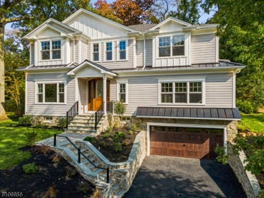 SFR located at 16 Woodfern Rd