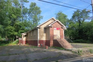 LND located at 416 Victoria Avenue
