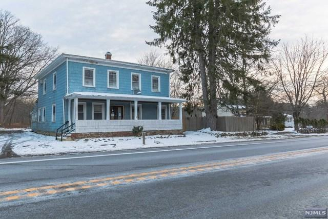 1006 macopin rd west milford nj mls 1747991 better homes and gardens real estate. Black Bedroom Furniture Sets. Home Design Ideas