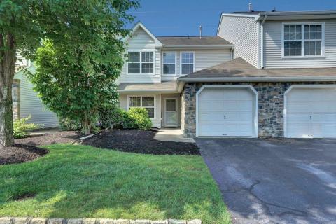 Tinton Falls Real Estate   Find Condos for Sale in Tinton