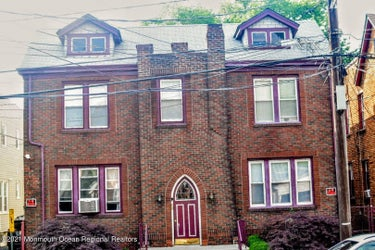 MFR located at 1584 Leslie Street #4