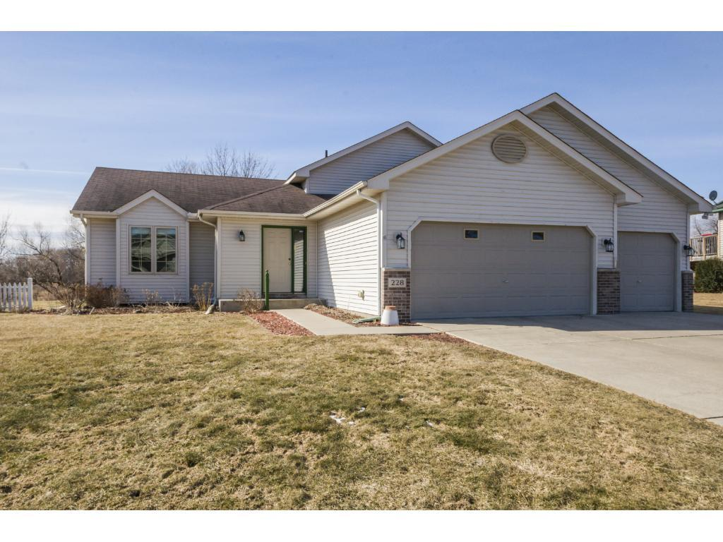 228 ash st e annandale mn mls 4804539 ziprealty