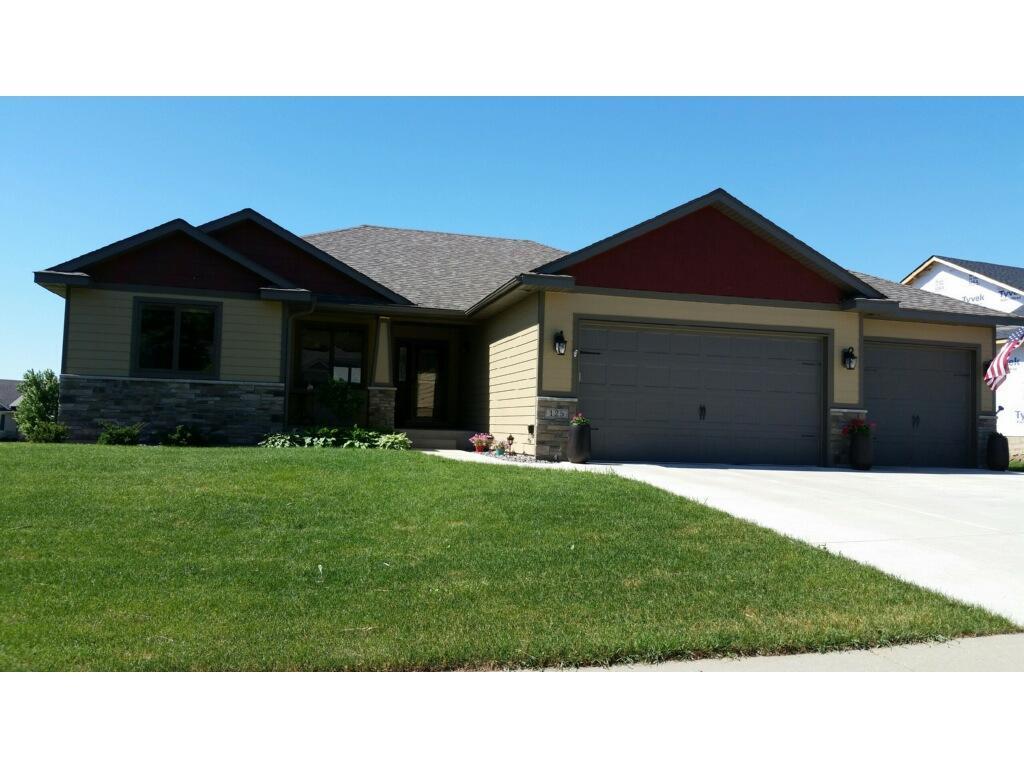 125 Bluestone Dr Dundas Mn Mls 4843950 Better Homes
