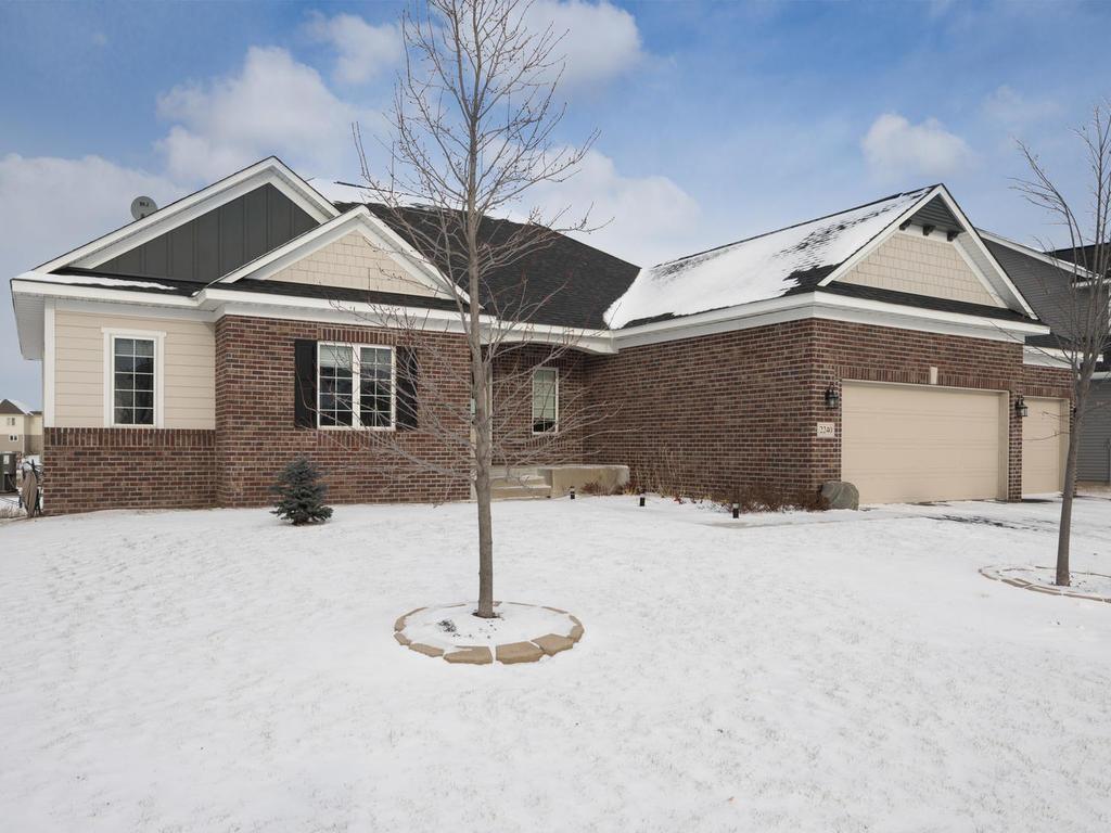 2240 silver leaf trl cologne mn mls 4898244 better homes and gardens real estate. Black Bedroom Furniture Sets. Home Design Ideas