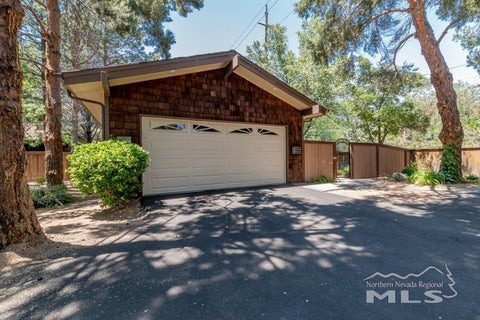 1641 Foster Drive