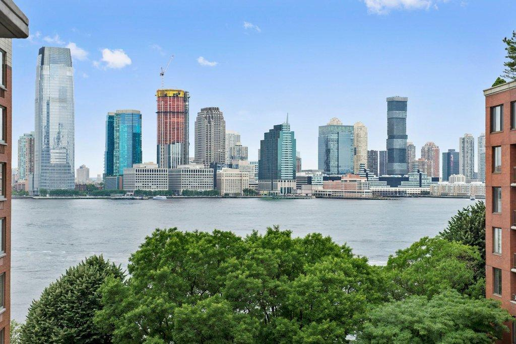 battery park city essay Before sept 11, battery park city was a neighborhood that didn't have real problems the biggest local controversy concerned a series of proposals that would have banned bicycles and dogs from.