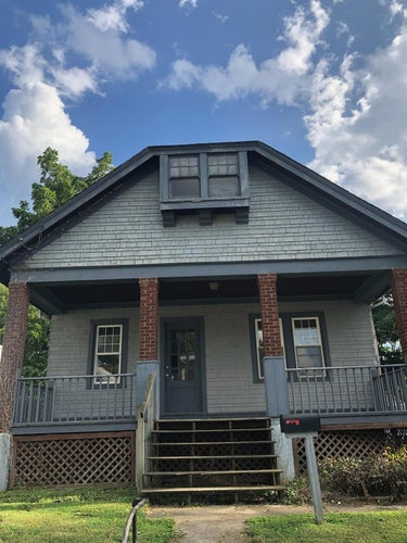SFR located at 1843 Cleveland Avenue