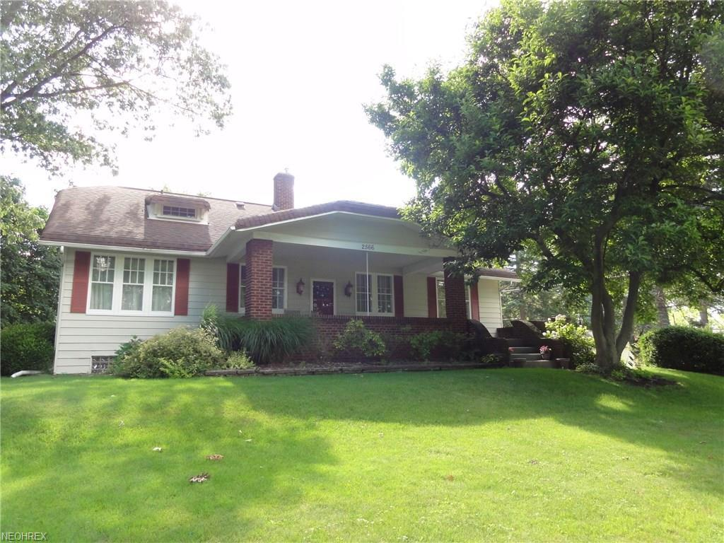 2566 canton rd akron oh mls 3916848 century 21 real for Home builders canton ohio