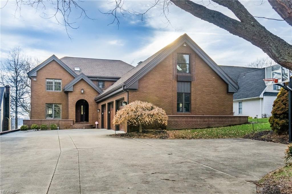5453 east blvd nw canton oh mls 3975219 era for Home builders canton ohio
