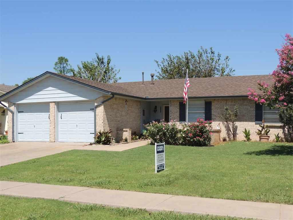 7011 sw winchester ave lawton ok mls 148199 century for Home builders in lawton ok