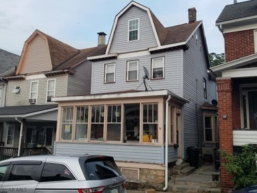 SFR located at 611 Crawford Ave