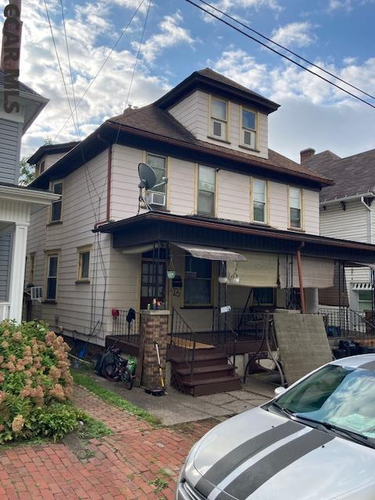MFR located at 1204-1206 Cameron Avenue