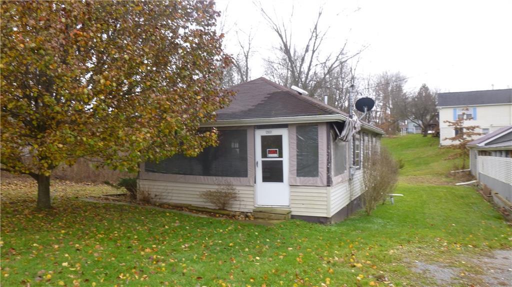 12031 lakeview dr conneaut lake pa mls 100264 era. Black Bedroom Furniture Sets. Home Design Ideas