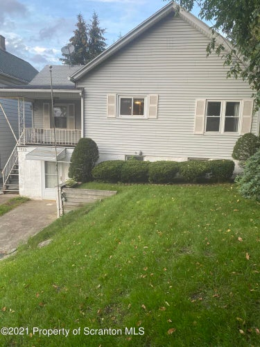SFR located at 1223 Beech St