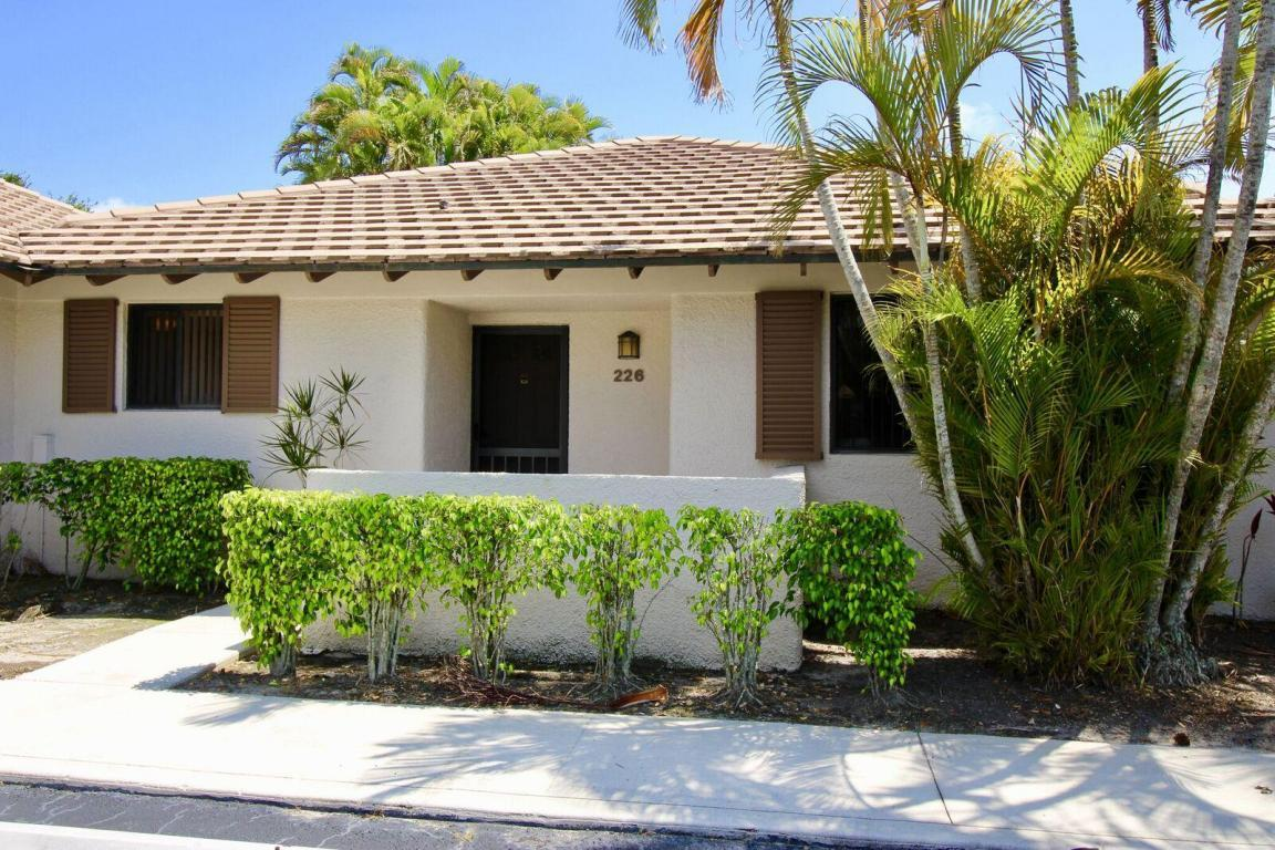 226 Club Dr Palm Beach Gardens Fl Mls Rx 10330313 Coldwell Banker