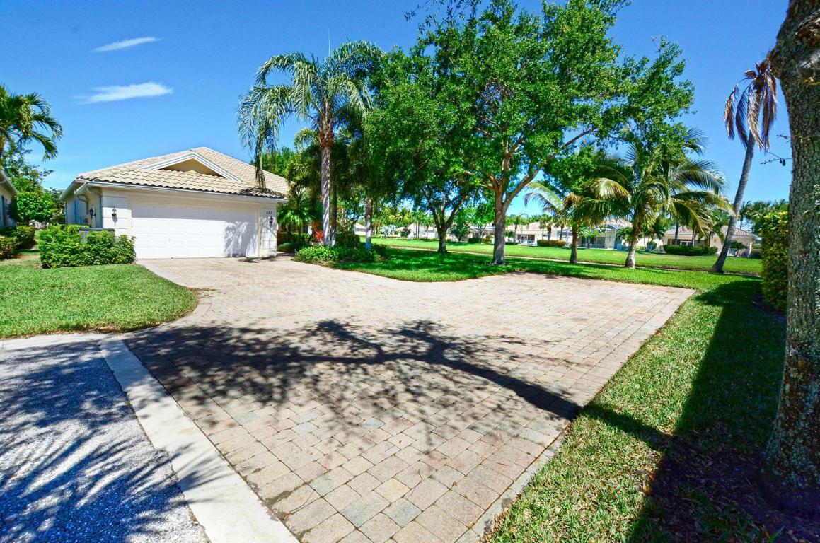 221 Danube Way, Palm Beach Gardens, FL — MLS# RX_10414750 — Better ...