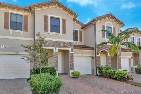 Terrific Homes For Sale In Kendall Fl Kendall Real Estate Ziprealty Download Free Architecture Designs Crovemadebymaigaardcom