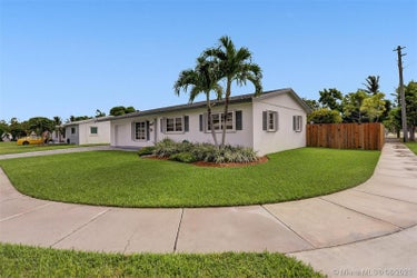 SFR located at 16131 SW 104th Ave